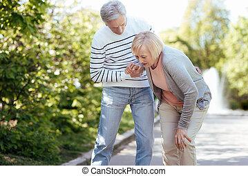 關心, 領年金者, 幫助, 年長者, 妻子, 在戶外