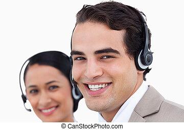 關閉, 側視圖, ......的, 微笑, 呼叫中心, 代理人, 正在工作