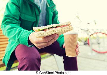 關閉, ......的, 人, 由于, 咖啡, 以及, 三明治, 上, 街道