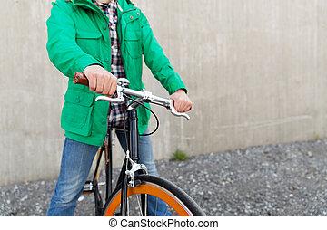 關閉, ......的, 人, 由于, 固定, 齒輪自行車, 上, 街道