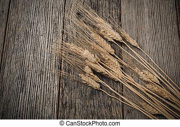 關閉, ......的, 小麥, 上, 鄉村, 木製的桌子