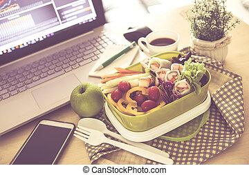 關閉, 綠色, 午飯盒, 上, the, 工作地點, ......的, 工作, 書桌, 吃, 打掃, 食物, 習慣, 為, 飲食, 以及, 保健, 概念