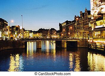 阿姆斯特丹, 夜晚