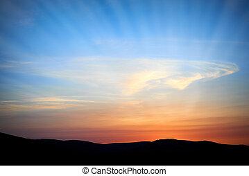 陸地, 由于, 以及, 戲劇性的天空