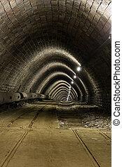 隧道, 老