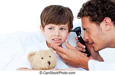 集中される, 検査, 医者, patient\'s, 耳