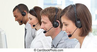 集中, 顧客服務, 代理人, 工作, 在, a, 呼叫中心