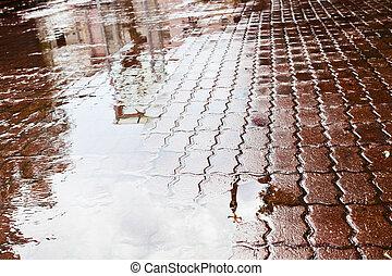 雨, 水たまり, 上に, 都市, 広場