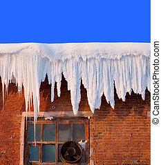 雪, 覆蓋, 上, 屋頂, ......的, 老, 紡織品, 織品, 由于, 冰柱, 深, 藍色的天空, 在, 背景