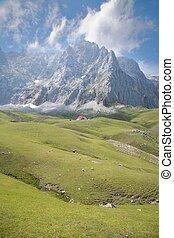 雲, 崖, そして, コテッジ, 中に, cantabrian, 山