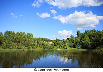 雲, 流れること, 空, それ, 湖, 反映, によって, 村, 小さい