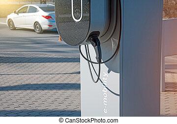 電池, 電気である, charge., restores, 燃料を補給すること, 自動車, プラグ, e-mobility, 下に, 電圧