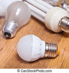 電球, 使われた, リードした, 1(人・つ), ランプ, 山, 板, 新しい