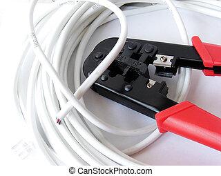 電纜, (cat5e), crimper, &, the, 束, a, 擱淺, 修補繩索, 在懷特上, 背景。