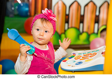 電話, 休日, 女の子, 子供, 幼年時代, 幸せ, 話し, 概念, 運動場
