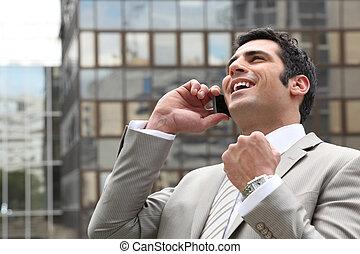 電話, 彼の, 呼出し, 大喜び, ビジネスマン
