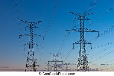 電, 傳送聳立, (electricity, pylons), 在, 黃昏