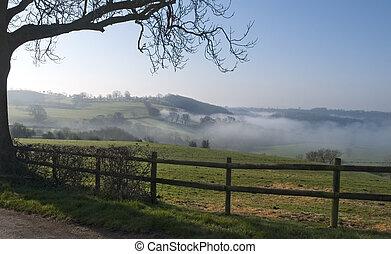 霧が深い, 光景