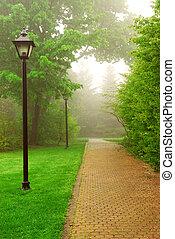 霧が濃い, 公園