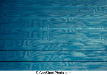 青い壁, 木製である