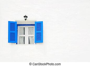 青い壁, 窓, 白