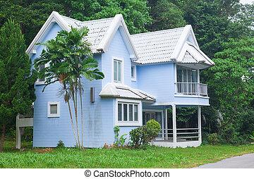 青い家, 森林