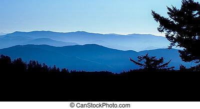 青い山地, 峰, パノラマである