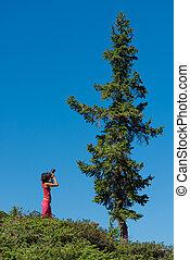 青い山, 空, 木, t, 女の子, 写真うつりする