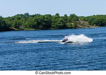 青い水, スクーター, 湖
