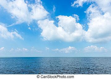 青い背景, 空, 海, 白い雲