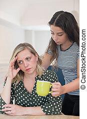 青少年, 女儿, 做, 飲料, 為, 父母, 痛苦, 由于, 精神健康, 問題