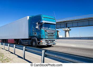 青, トラックの運転, ハイウェー
