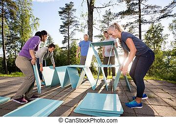 青, ピラミッド, 協力者, 作成, 板, 中庭