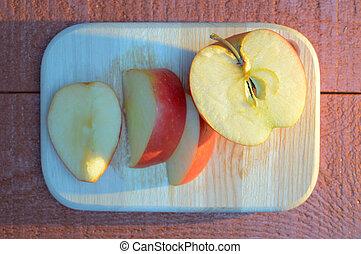 青, 切口, りんごの切れ, 木製である, 長い間, 板, red-brown, テーブル, 影