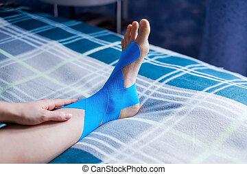 青, 応用, leg., 伸縮性がある, 患者の, テープ, 治療上, 左