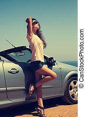 青, 肖像画, cabriolet, 海, 太陽, 自動車, 背景, 型, glasses., 強くされた, 空, 女, ポーズを取る, 美しい, 不足分