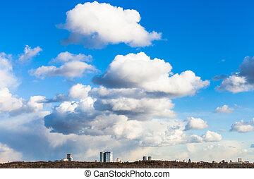 青, 都市, 雲, 大きい, 上に, 空, 家