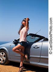 青, cabriolet, 海, 自動車, 背景, サングラス, 空, 女, ポーズを取る, 美しい, 不足分