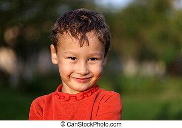 面白い, わずかしか, 古い, 男の子, 年, 4, 屋外で, 肖像画