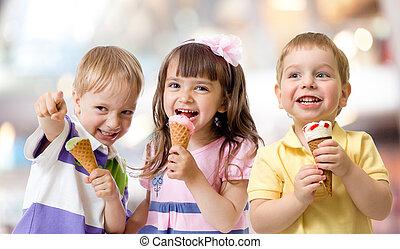 面白い, 子供, グループ, からかう, ∥で∥, アイスクリーム, 上に, パーティー