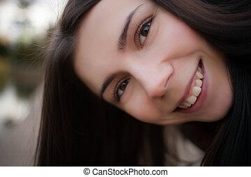 面白い, 肖像画, の, 微笑, 若い 女の子