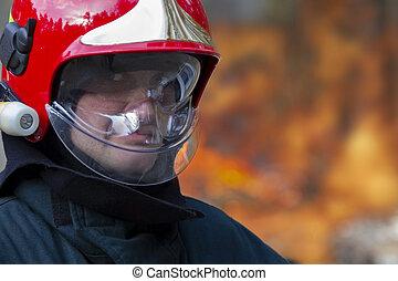 顔, ヘルメット, 消防士, から, fire., パッティング, 背景
