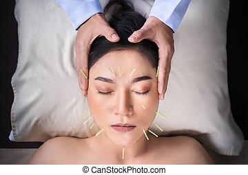 顔, 女, 刺鍼術, 経ること, 待遇