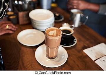 顧客, 収集, 彼女, カウンター, カフェ, 順序, 飲み物