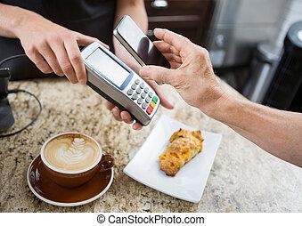 顧客, 支払う, mobilephone, イメージ, カウンター, 切り取った, によって, 読者, カフェ, 電子...