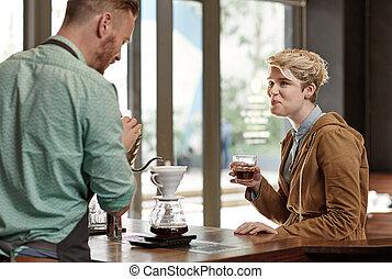 顧客, barista, 仕事, 現代, 話し, 間, カフェ