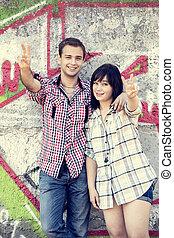 風格, 青少年的 夫婦, 近, graffiti, 背景。