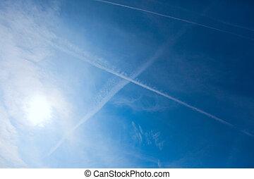 飛行機雲, 暗やみに, 青い空