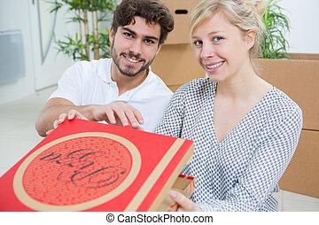 食べること, 恋人, 次に, 箱, 引っ越し, ピザ