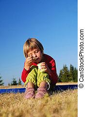 食べること, 自然, 健康に良い食物, 女の子, 幸せ